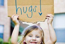 Abrazos Gratis / porque jamas le negare un abrazo a nadie cuando mas lo necesite y aunque no lo quiera yo se lo dare