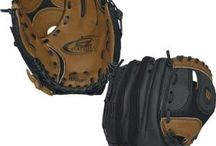 T-Ball Gloves / T-Ball Gloves sizes range between 9 inches and 10.5 inches. The most important point to consider when buying a Glove is that the player has to be able to catch the ball. If they can`t open and close the glove, they can`t control the ball. This usually means the glove is to big, so try the next size down.