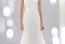Wedding Dress, Shoes, and Jewelry / by Brianna Lamoreux