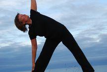 Yoga / Yogainspiration till alla! Även till dig som är stel som ett kylskåp och långt ifrån trådsmal... :-) Yogainspiration for everybody! Even if you are stiff as a refrigerator and far from having a perfect body... :-)