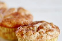 Muffins/cupcakes / by Stephanie Krutko
