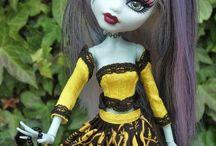 DOLLS / case e vestiti per bambole con oggetti di riciclo