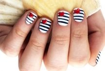 Nails / by Linde Wyser