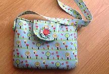 Tašky / Šité a háčkované tašky a pouzdra
