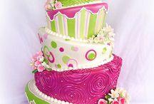 Topsy Turvy Cakes / Topsy Turvy cakes from CakesDecor.com