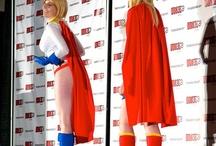 Fan Expo 2012 - Supergirl versus Powergirl