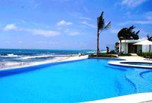 Beach Front Properties / Encuentra la mejor ubicación de Propiedades frente al mar. Click http://www.propertiesinplayadelcarmen.com/property-type/beach-front/