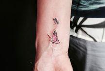Tatuaje diminuto