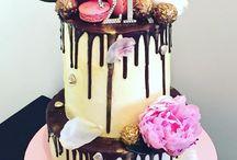 Sophie 21st cake