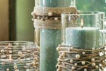 Velas en fanales de vidrio decorados con hilos con perlitas