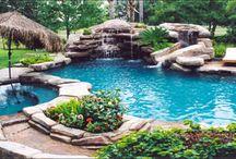 ガーデン プール 滝