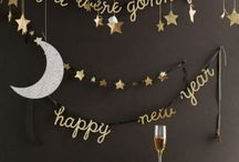 NYE Inspo / Inspirations pour le Nouvel An / NYE Inspiration / Inspirations pour le Nouvel An. Party themes, food and cocktails, outfit, makeup, nail art,shoes ideas. // Idées de thèmes pour festivités, nourriture et boissons, ensembles, maquillage, ongles, chaussures.