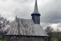 Biserica de lemn din Bălan Josani / Biserica de lemn din Bălan Josani, dedicată Sfinților Arhangheli Mihail și Gavril se află în partea de jos a satului Bălan, județul Sălaj. Aceasta este una dintre cele mai frumoase și mai valoroase biserici de lemn din Sălaj, atribuită meșterului de biserici itinerant Popa Toader. Ea este datată prin inscripție din 1695 și pictată, conform pisaniei, la cumpăna secolului 18 cu 19.
