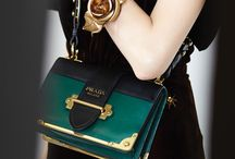 Bags, purses & clutches