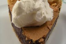 Pies / by Phyllis Roberson