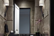 Bathroom stones tiles comb