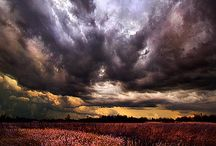 Clouds in all shapes and mysterious forms / wolken