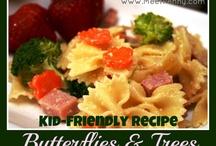 Kid food / by Lisa Stangier