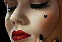 Maquillage extravagant reine de coeur