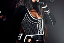 Selena gomez stage outfit