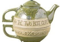 teapots / by Margurite Howey