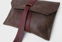 leather pouch closure