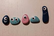 Riciclare blister per fare gli occhi a sassi alieni / Riciclare blister per fare gli occhi a sassi alieni