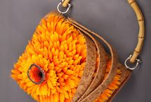 Flowered handbag / Flowers can cover anything