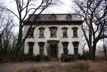 The Surgeon's House / by woodlouse