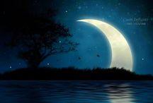 """¸.••*¨*•.¸¸☾☆★˜""""*°• ♥ Dolcissima Notte... / La notte si è più fragili e ricettivi, le difese si abbassano.. siamo più aperti alle emozioni ed ai sentimenti..."""