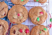 Holiday Treat Ideas / Delicious, and festive! Follow this board for some holiday season treat ideas.