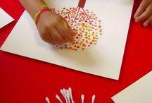 Niños / Pintando con hisopos