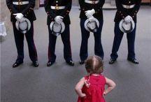 Девушка-военнослужащая