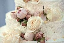 wedding cakes / by Lindsay Webster
