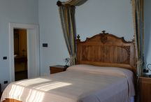 Room 4 - Suite / Vintage room with antique furniture and antique bed.