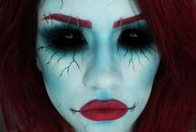 Halloween costumes and make-up