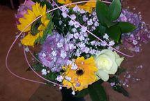 Vårblommans Brudbuketter / Brudbuketter och blomarrangemang till bröllop gjorda av mig i butiken, Vårblomman i Karlstad  Wedding bouqets and flower arrangements made by me in my flower shop Vårblomman in Karlstad, Sweden.