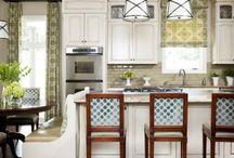 Homes - Kitchen / by Lisa Jones