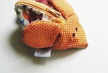 Ratinho guarda-chupeta | Little mouse for pacifier / Um prático e divertido ratinho onde pode guardar a chupeta do seu bebé.  A practical and fun kitten where you can store your baby's pacifier.
