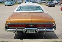 70's American cars...Age of excessive size and funky vinyl n stripes !!