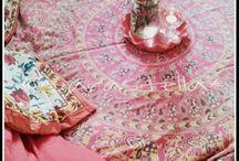 Doula, femminile, tenda rossa
