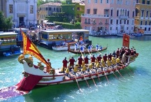 Regata Storica  / The Historical Regatta in Venice is one of the most awaited events! On this extraordinary day, past and present are combined in a timeless atmosphere: the ancient traditions of Venice are brought back to life and intertwined with the most important rowing event of the city.