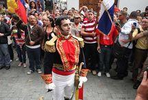Triunfa Bolívar y entra a Caracas tras culminar su Campaña Admirable  / Este 6 de agosto, en Caracas, se conmemoraron los 200 años de la Campaña Admirable. Bolívar, encarnado en un joven venezolano, entró de manera triunfante a la ciudad. El presidente de Venezuela Nicolás Maduro, encabezó la actividad con la Espada de Bolívar.