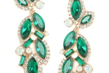 Wedding by Color: Emerald Green / #emerald #green #emeraldgreen #weddings #indianwedding #indianweddings #sjsevents #sonaljshah #sonaljshahevents #sjs #sjsbook www.sjsevents.com