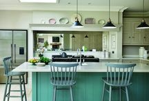 Country Cottage Trend / Add some cheer by turning the heart of your home into a rustic haven