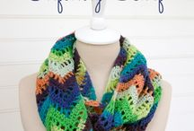Scarves, Cowls and Neckwear (Free Crochet Patterns) / The trendiest free crochet patterns for scarves, cowls and other neckwear