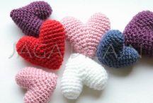 Valentine's crochet (Walentynkowe wzory na szydełko) / Zbiór inspiracji na walentynkowe szydełkowanie.