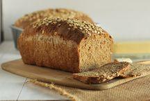 Ψωμί ολικής αλέσεως και οφέλη / Το ψωμί ολικής αλέσεως οφέλη και θρεπτική αξία. Περιέχει πρωτεΐνες, λιπαρά, υδατάνθρακες, φυτικές ίνες και θερμίδες.