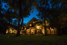 Landscape Lighting|Sienna Plantation, TX / Landscape Lighting in Sienna Plantation. Photography Courtesy of Zvonkovic Photography.