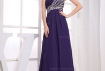 Evening Dresses / by Vickie